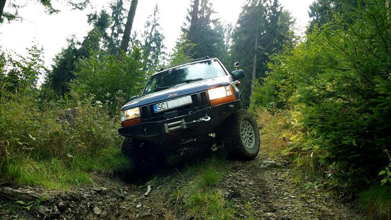 Jeep w trasie